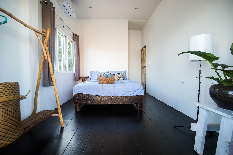 Double room with balcony @ Sweet Life Guesthouse สตูดิโอ บังกะโล 1 ห้องน้ำส่วนตัว ขนาด 16 ตร.ม. – สังกะอู้