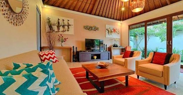 Villa Daksina Bali 3BR poolvilla BatubeligSeminyak