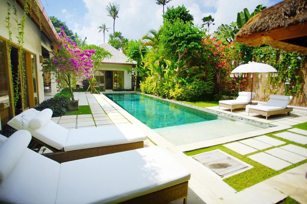 2 BR+Private Pool+bathtub+Brkfst @ 83 Seminyak