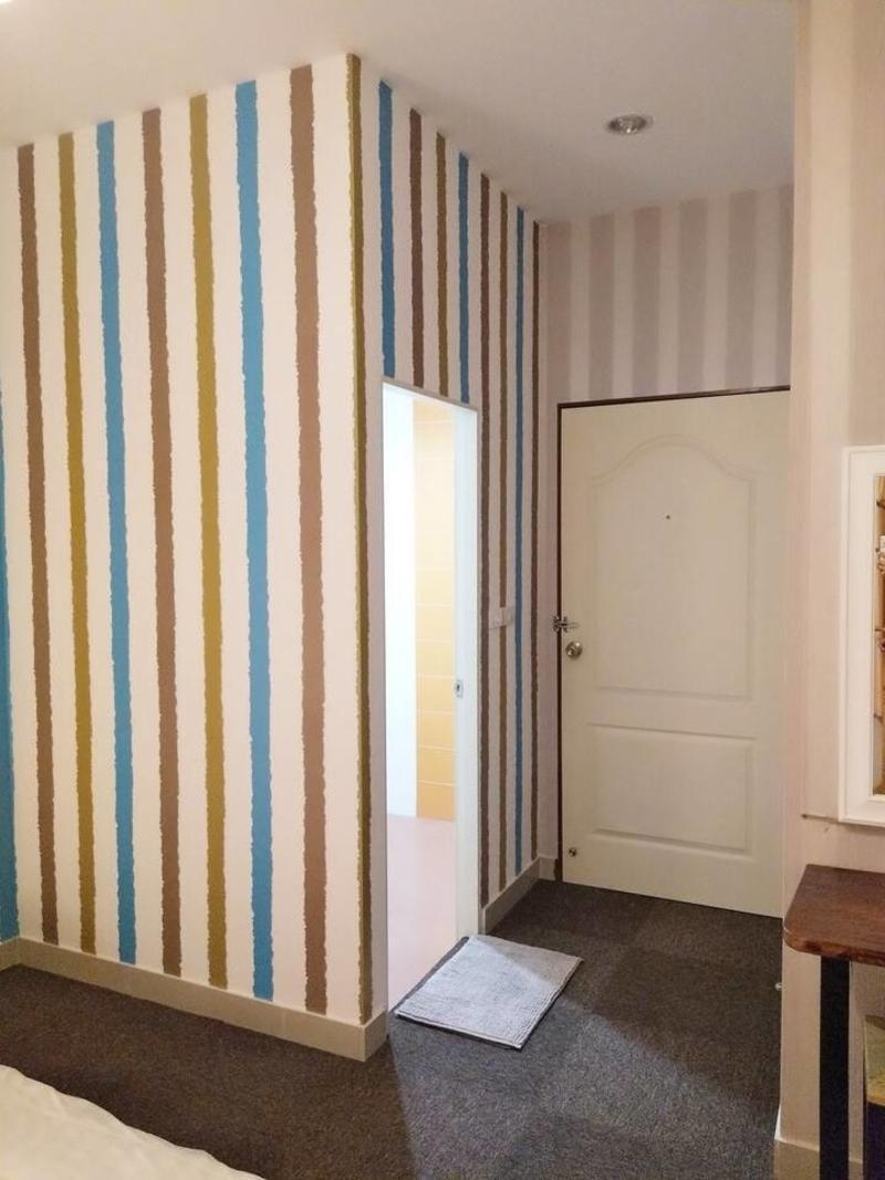 Pitcha's Room Buriram 7 km. to Chang Arena บ้านเดี่ยว 1 ห้องนอน 1 ห้องน้ำส่วนตัว ขนาด 20 ตร.ม. – ใจกลางเมืองบุรีรัมย์