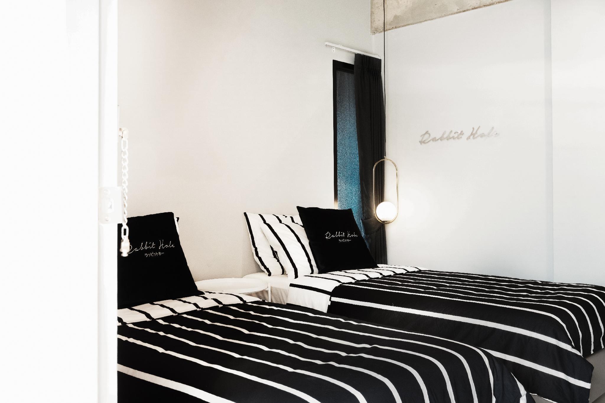 INTO THE MOONLIGHT #2 (shared bathroom) อพาร์ตเมนต์ 1 ห้องนอน 1 ห้องน้ำส่วนตัว ขนาด 25 ตร.ม. – ช้างเผือก
