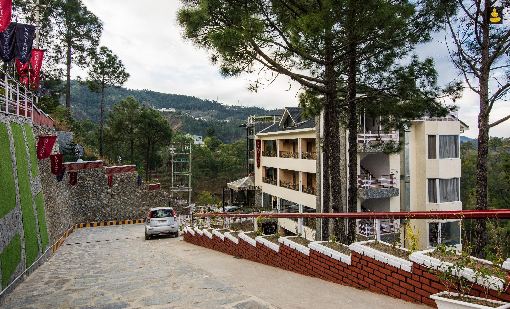 LivingStone   Mountain Retreat   Premium Plus Room