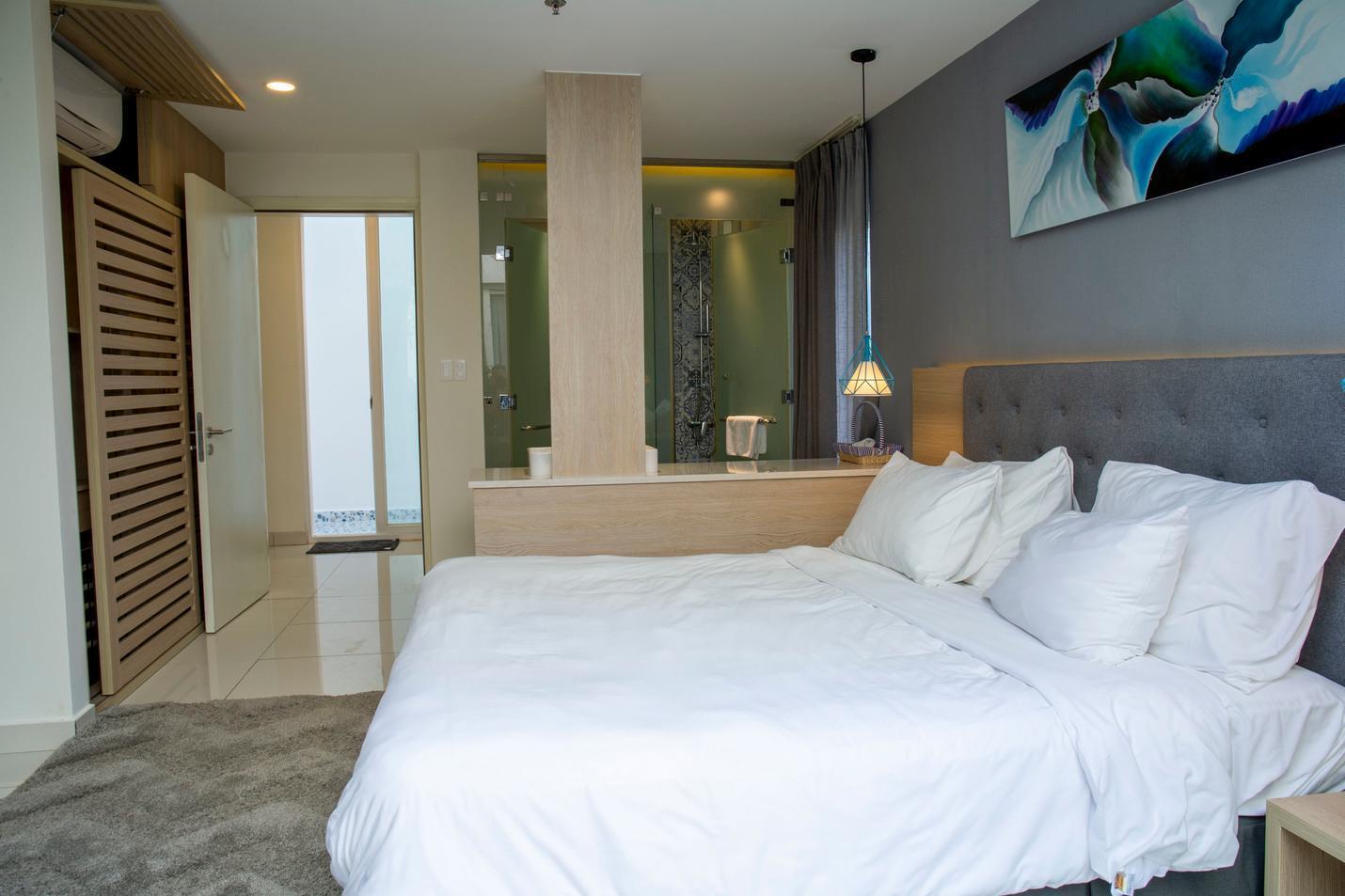 Oceanami  3BR   Airy Space + Luxury Villa