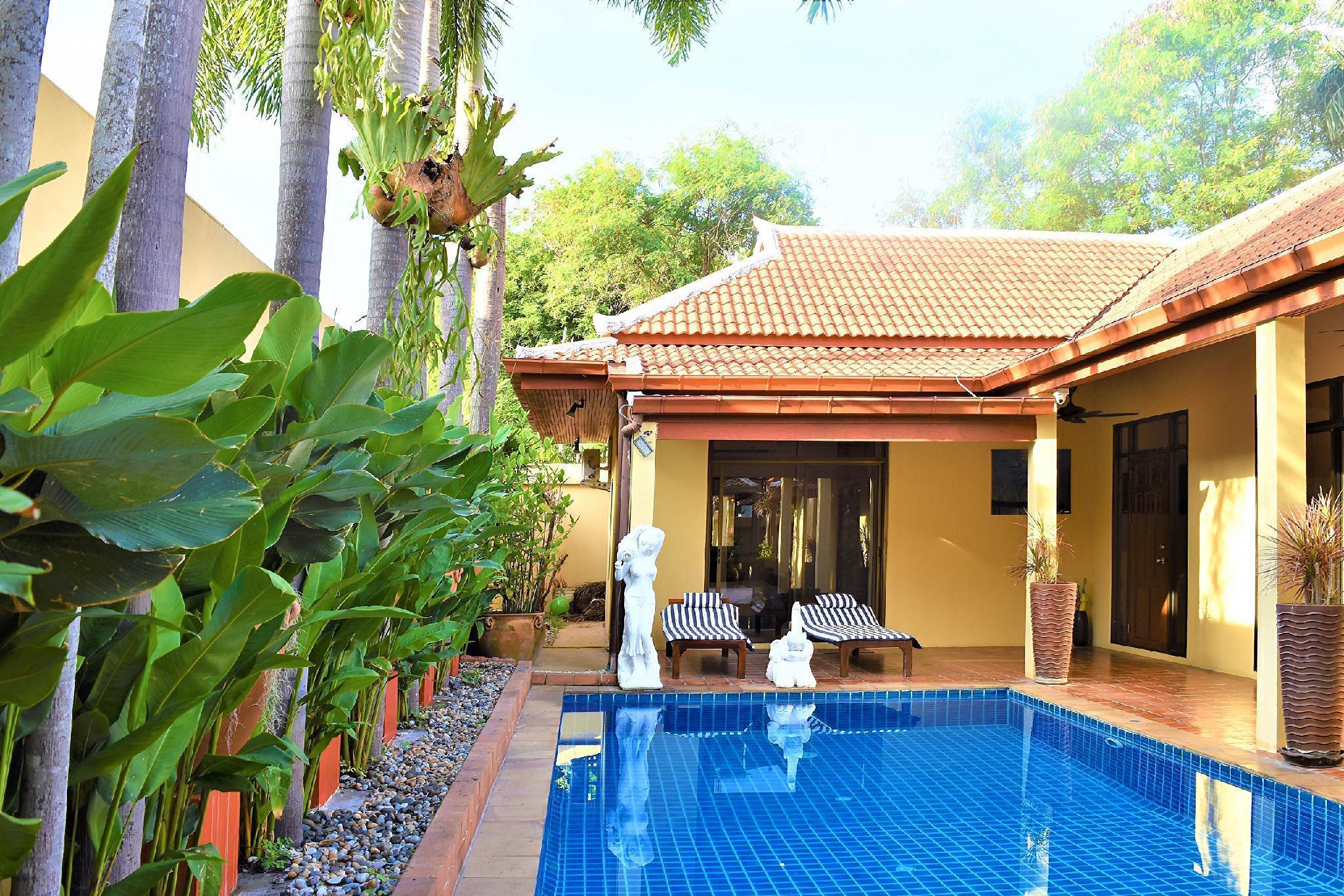 Generous Villa with Private Pool & Tropical Garden วิลลา 4 ห้องนอน 4 ห้องน้ำส่วนตัว ขนาด 588 ตร.ม. – หาดจอมเทียน