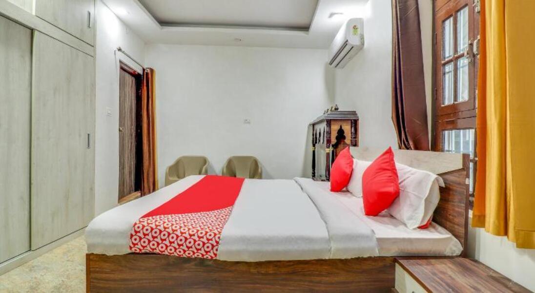 Shiv Shanti Lawn Hotel