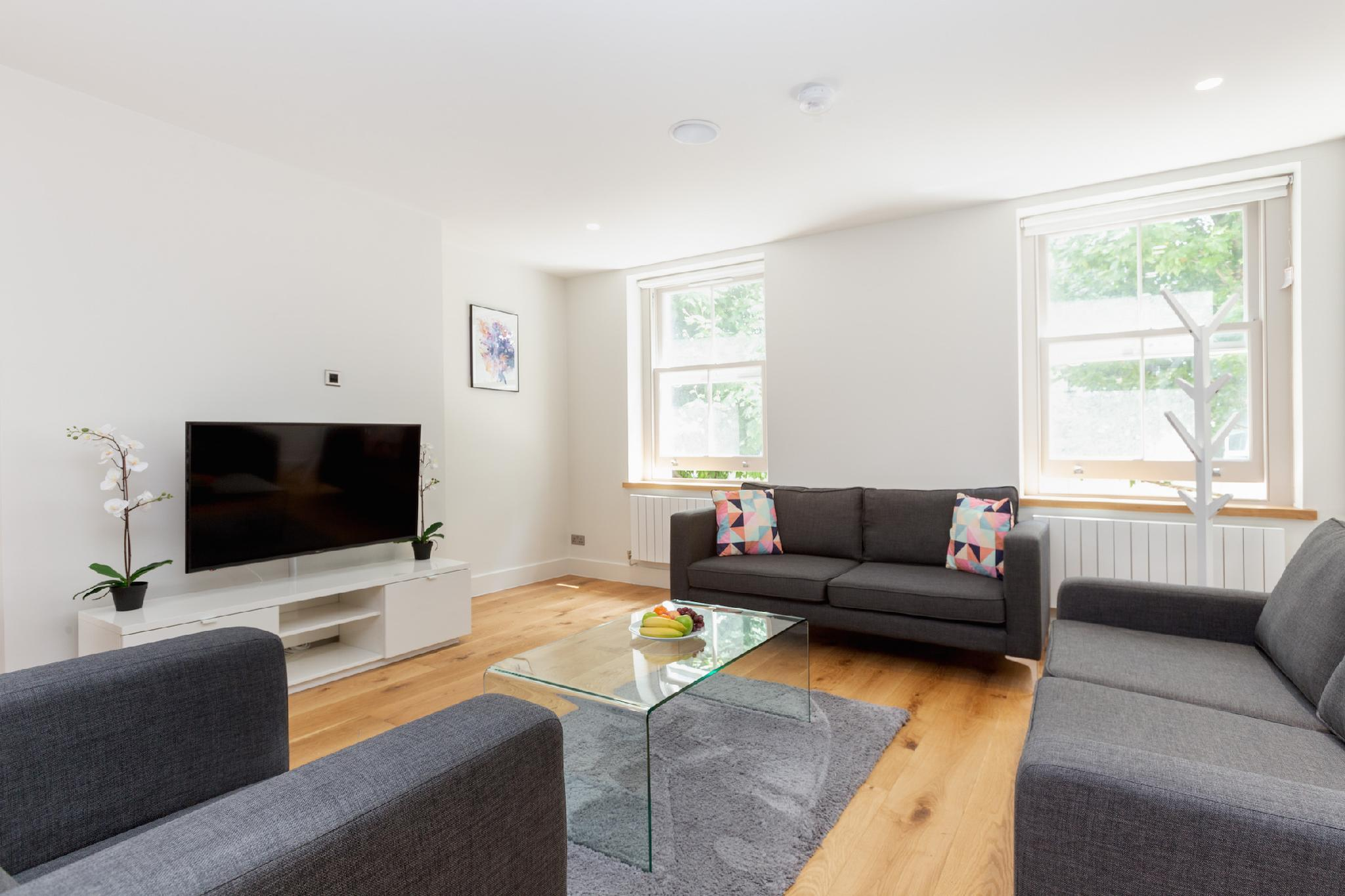 SOHO - BEAUTIFUL 2BR IN THE HEART OF FITZROVIA