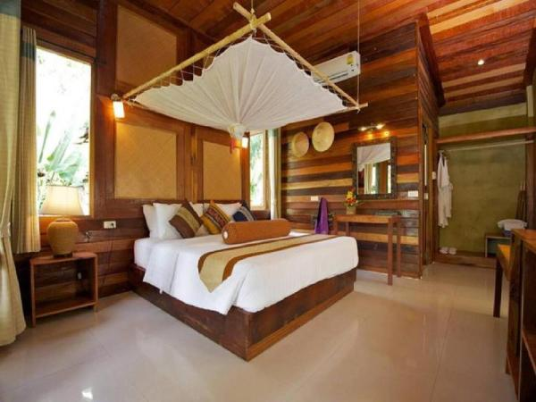 Superior House 1-Bedroom Bungalow with Garden View Koh Tao