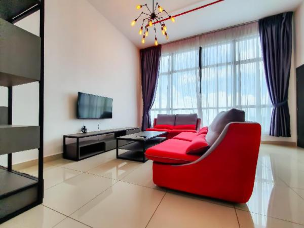Studio for 4 pax, Free Wi-Fi, Mount Austin [TG] Johor Bahru