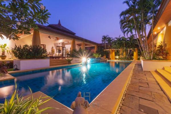 Beautiful 4 Bed Bali Style Villa,Great Location S4 Hua Hin