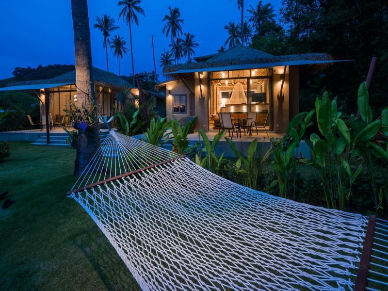 Coconut Island Beachfront Bungalow บังกะโล 1 ห้องนอน 1 ห้องน้ำส่วนตัว ขนาด 55 ตร.ม. – เกาะมะพร้าว
