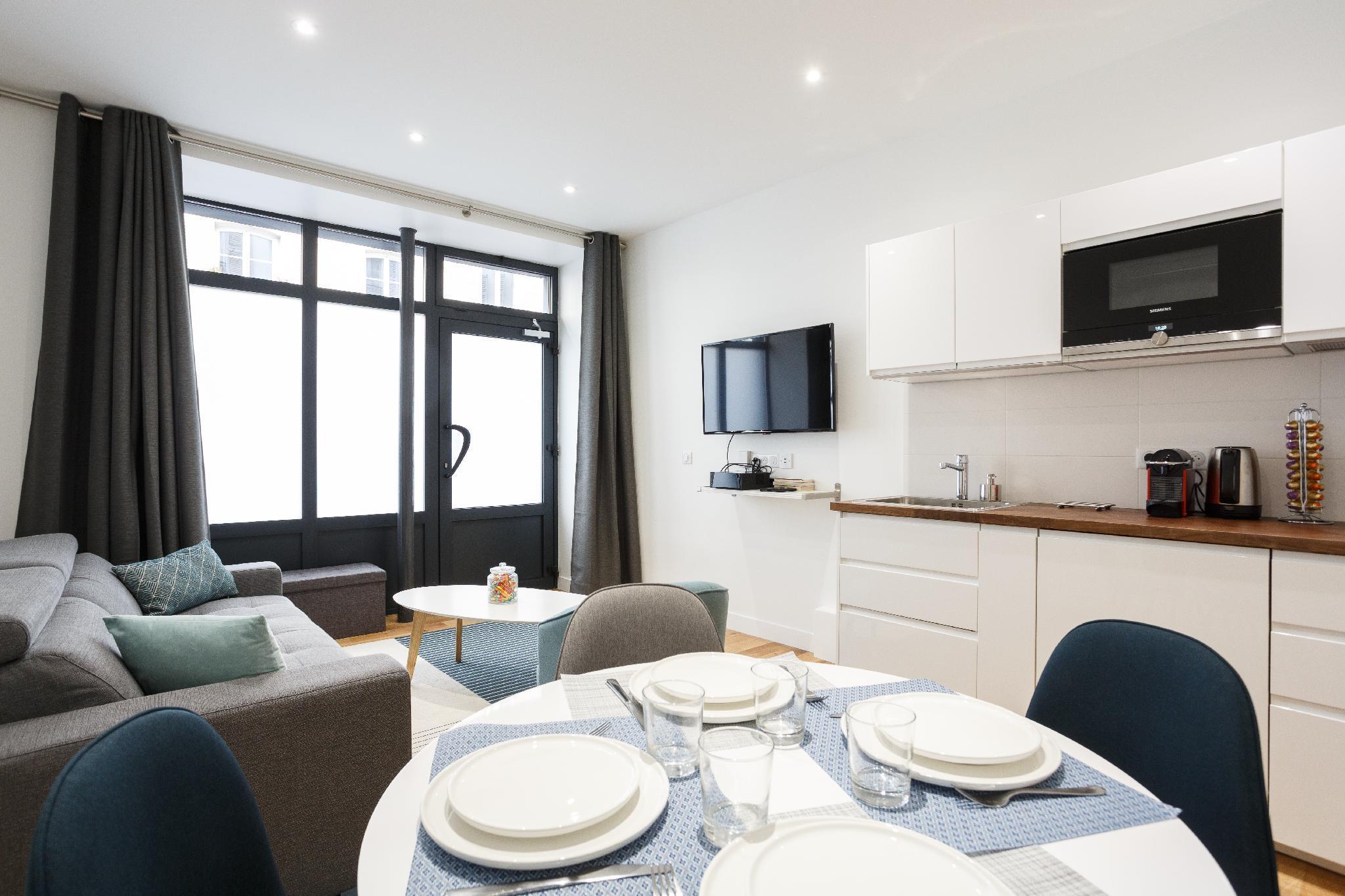 Cozy apartment at Paris Montmartre