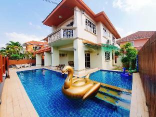 Golden Teak Pool Villa Pattaya วิลลา 5 ห้องนอน 6 ห้องน้ำส่วนตัว ขนาด 100 ตร.ม. – หาดจอมเทียน