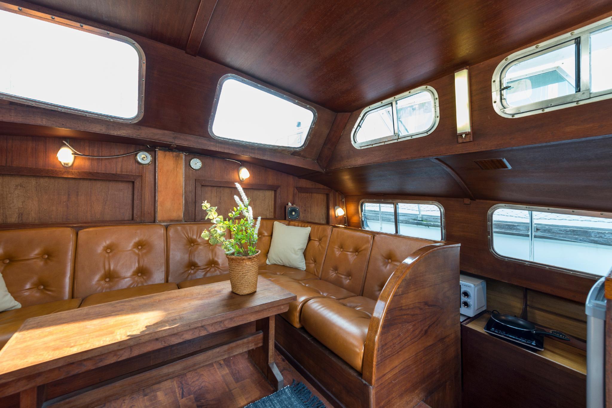 Romantic Catamaran Barcelona