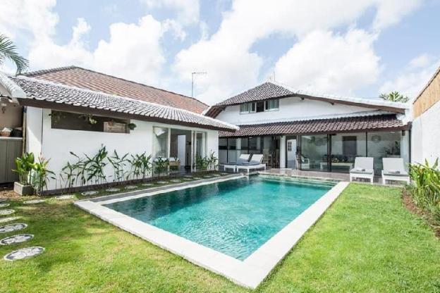 Villa Pramarta - 4 BR Deluxe Villa Seminyak