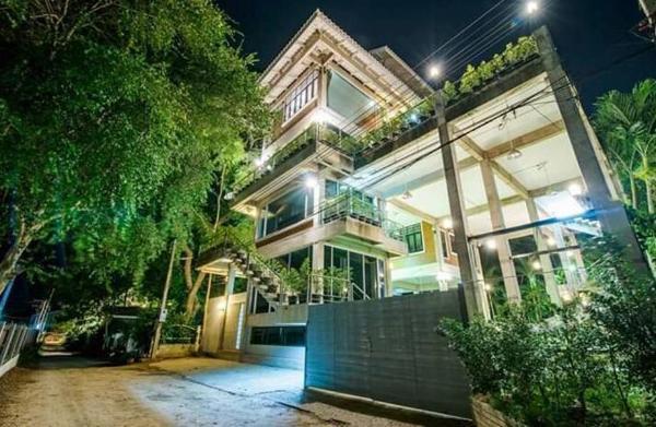 Modern Loft Villa for 20 Person   50m to the beach Hua Hin
