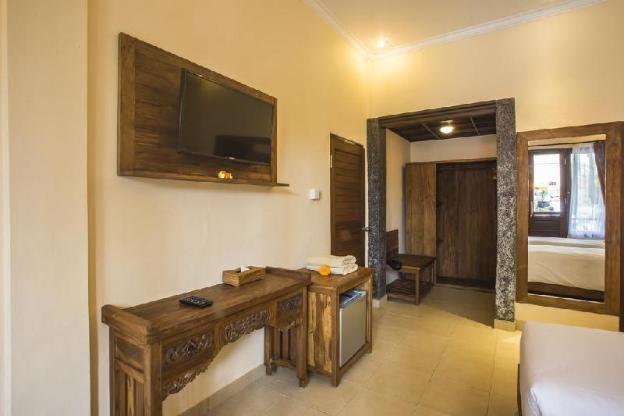 Capung Superior Room  Ubud- Breakfast