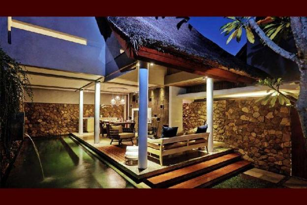 4BR Private Pool Villa close to Petitenget Beach