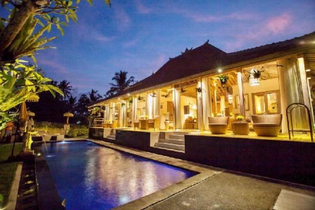3BR Villa Pool - Breakfast