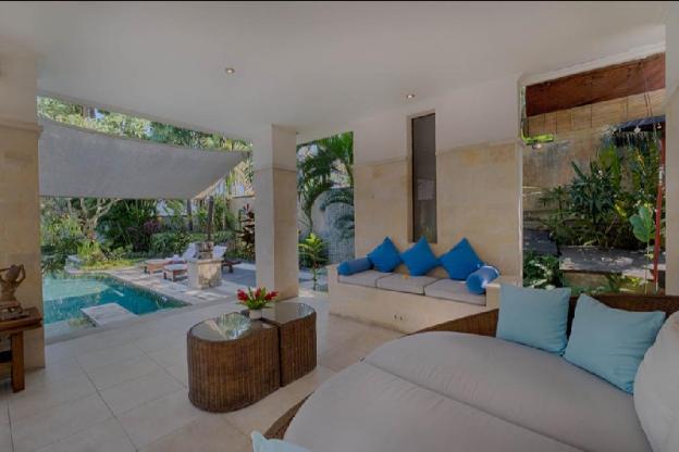 4BR Luxury Private Pool Villa + breakfast, Wifi