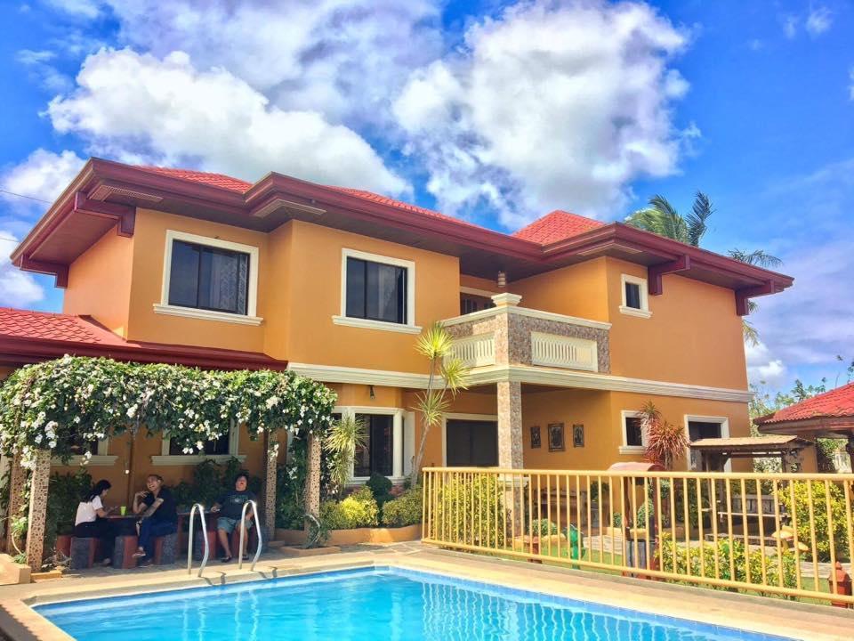 Tagaytay Villas Adelle Luxury Private Villa
