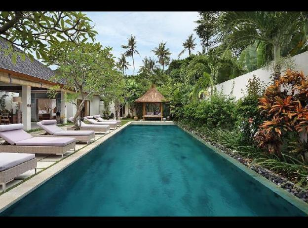 Three-Bedroom Villa with Private Pool - Breakfast