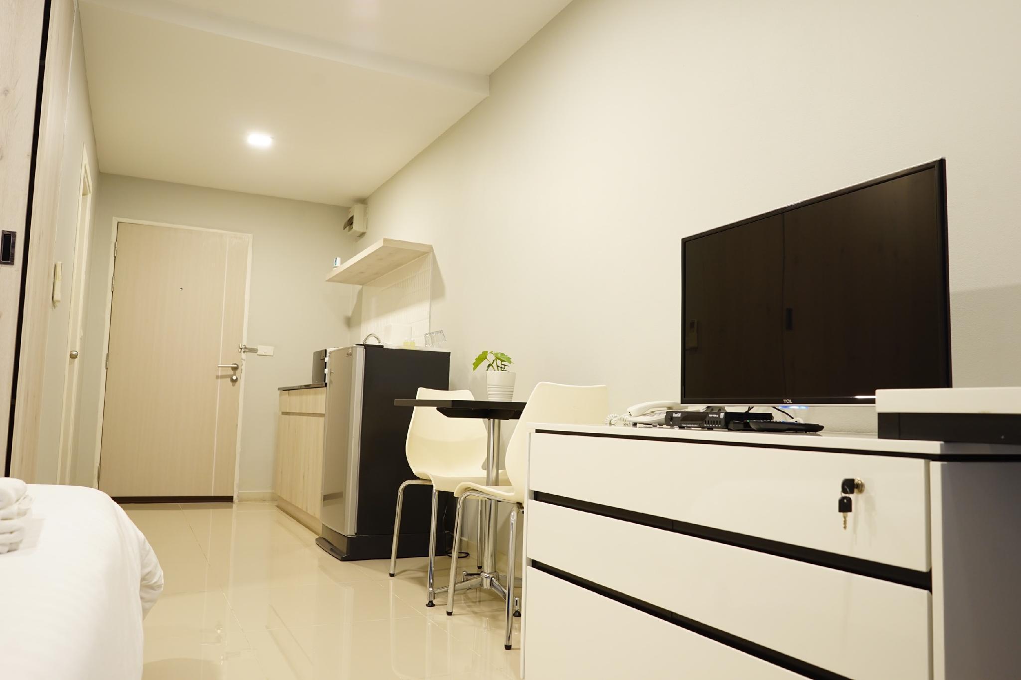LKN GRAND 295 Room 305