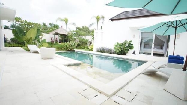 White Beauty! Modern & Spacious Villa