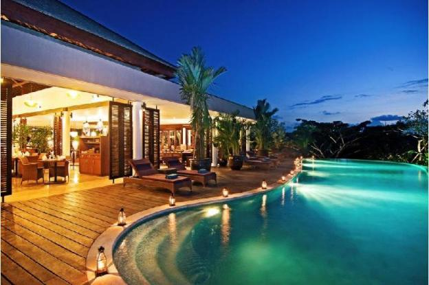 Four Bedrooms Lavish Stunning Villa at Jimbaran