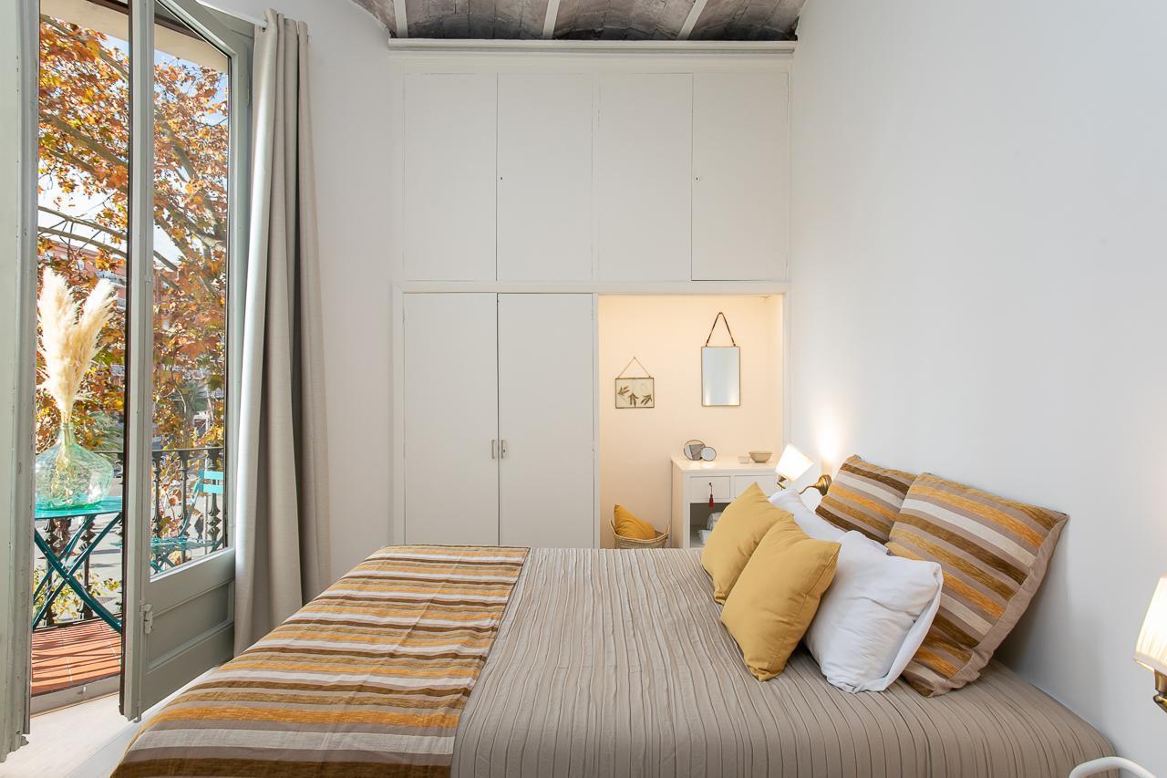 Cosy Sagrada Familia & Beach Apartment