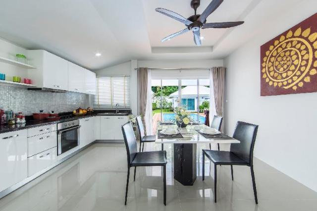 3 ห้องนอน 3 ห้องน้ำส่วนตัว ขนาด 412 ตร.ม. – ป่าคลอก – Phuket Baanpromphun Pool Villa