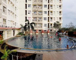 Cozy room @ Apartment Belmont Residence Jakarta