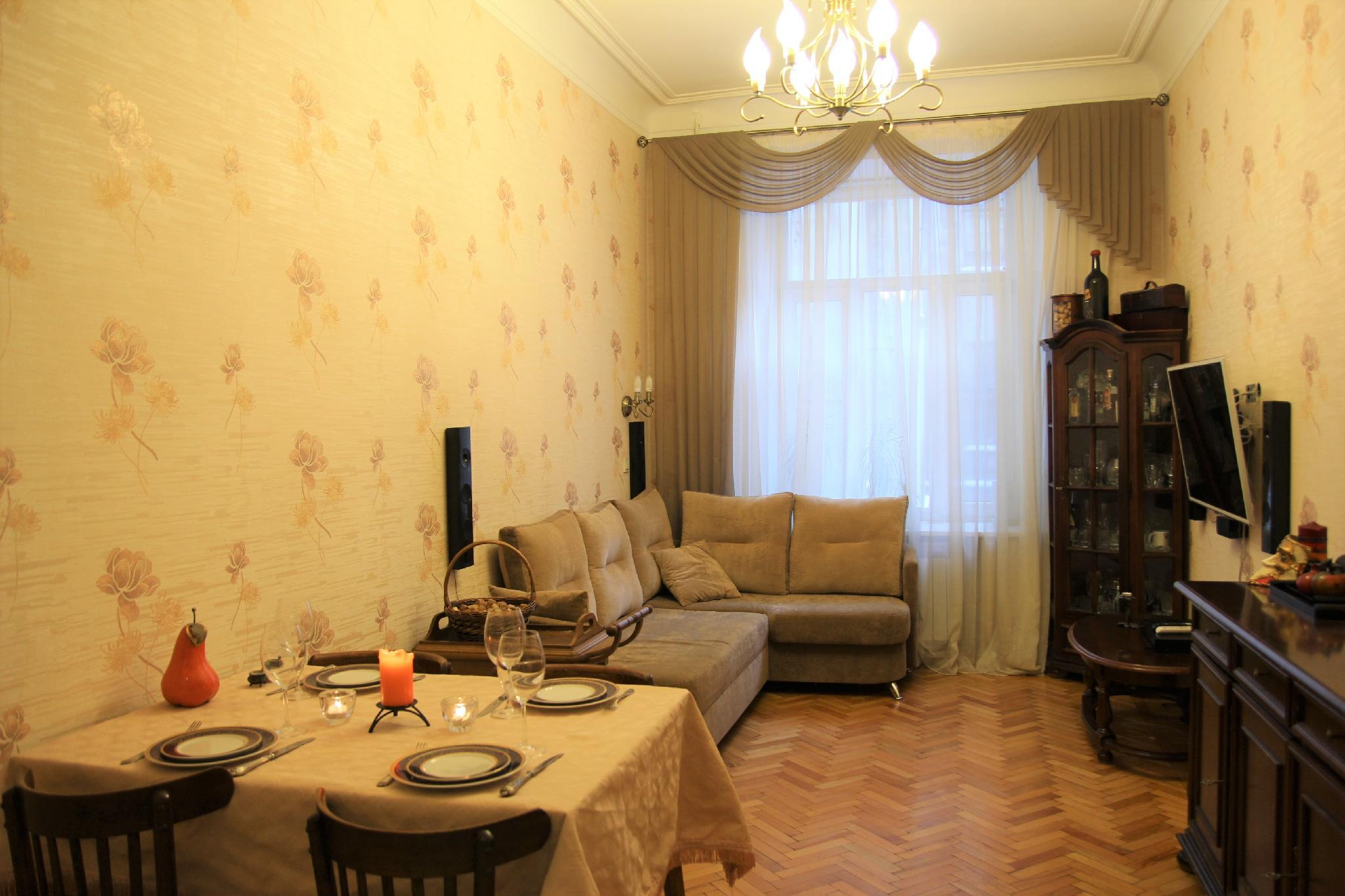 Apartment Near The Peter And Paul Fortress