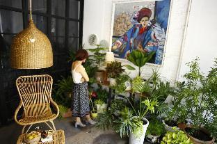 Center District 1 - Spacious Loft with garden