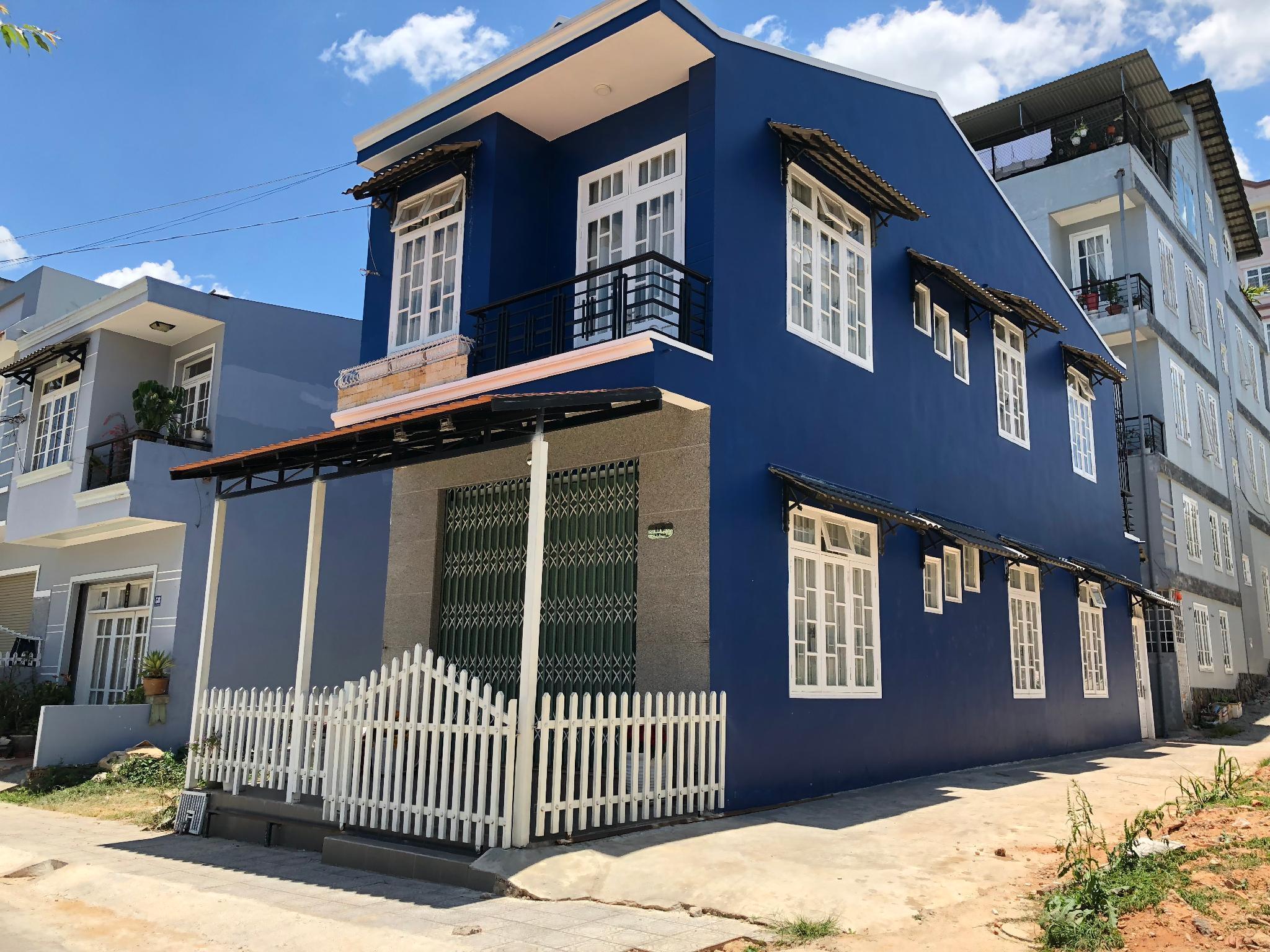 Blue Walls Homestay