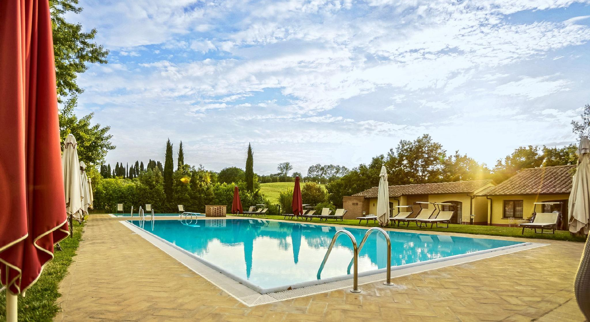 Family Home With Pool View Near Pisa   Margherita
