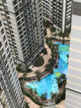 %name Vinhomes double bed FREE Gym Pool shared bathroom Ho Chi Minh City