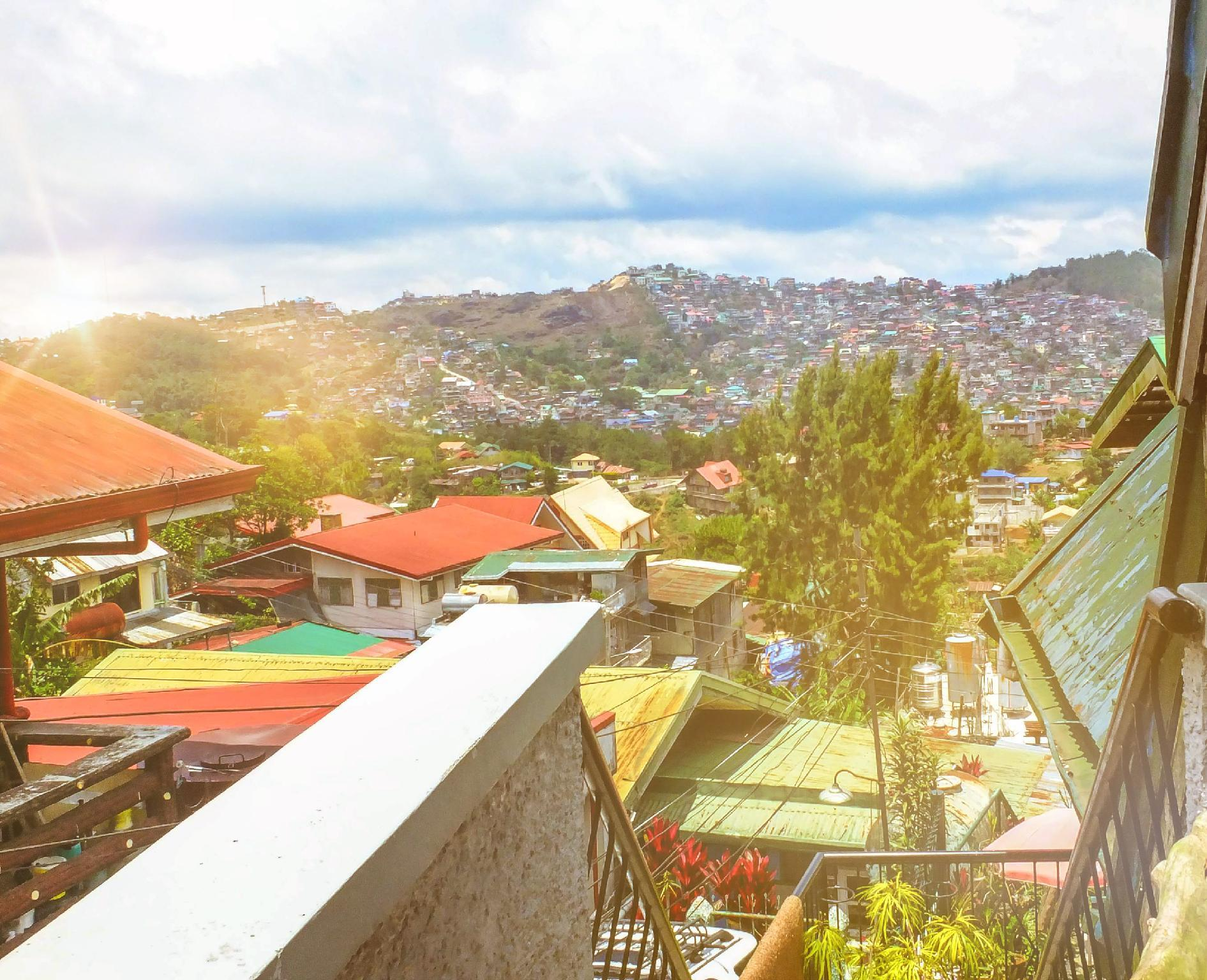 Baguio Homey 2 Bedroom + Attic Room W  Balcony