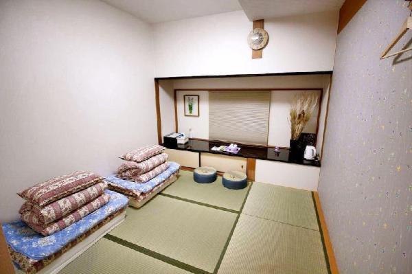 Guest House 168 Shinsaibashi Japan Deluxe Room 204 Osaka
