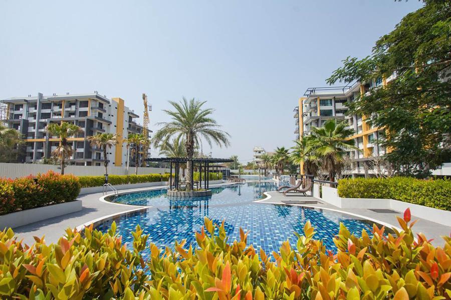 Brand New Resort Condo Clean And Calm