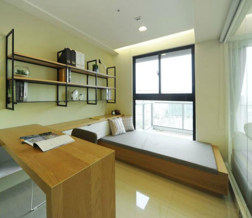 Three Rooms With Kitchen Near Park In Kaohsiung