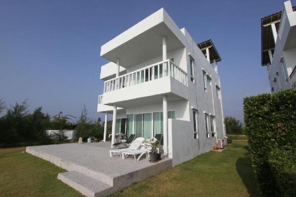Sea Villa Beachfront @ Tapsakae Prachuap Khiri Khan