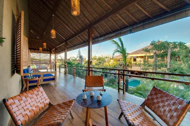 Tropical 8 Bedrooms Villa by the beach, Seminyak