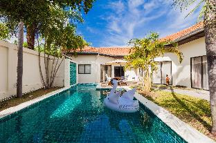4 bedroom Pool Villa + 200 m walk to private beach 4 bedroom Pool Villa + 200 m walk to private beach