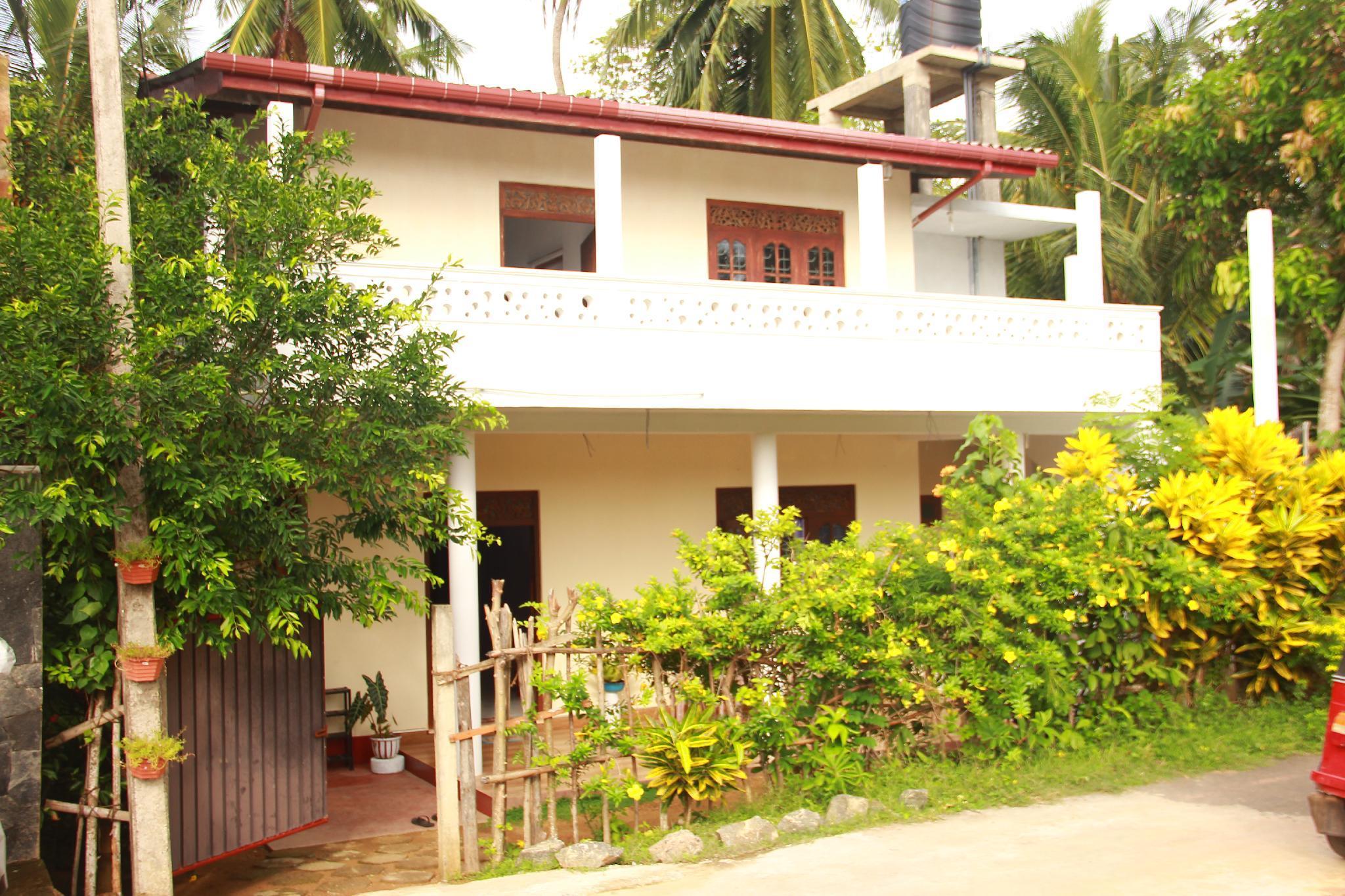 Hikka Yellow Villa