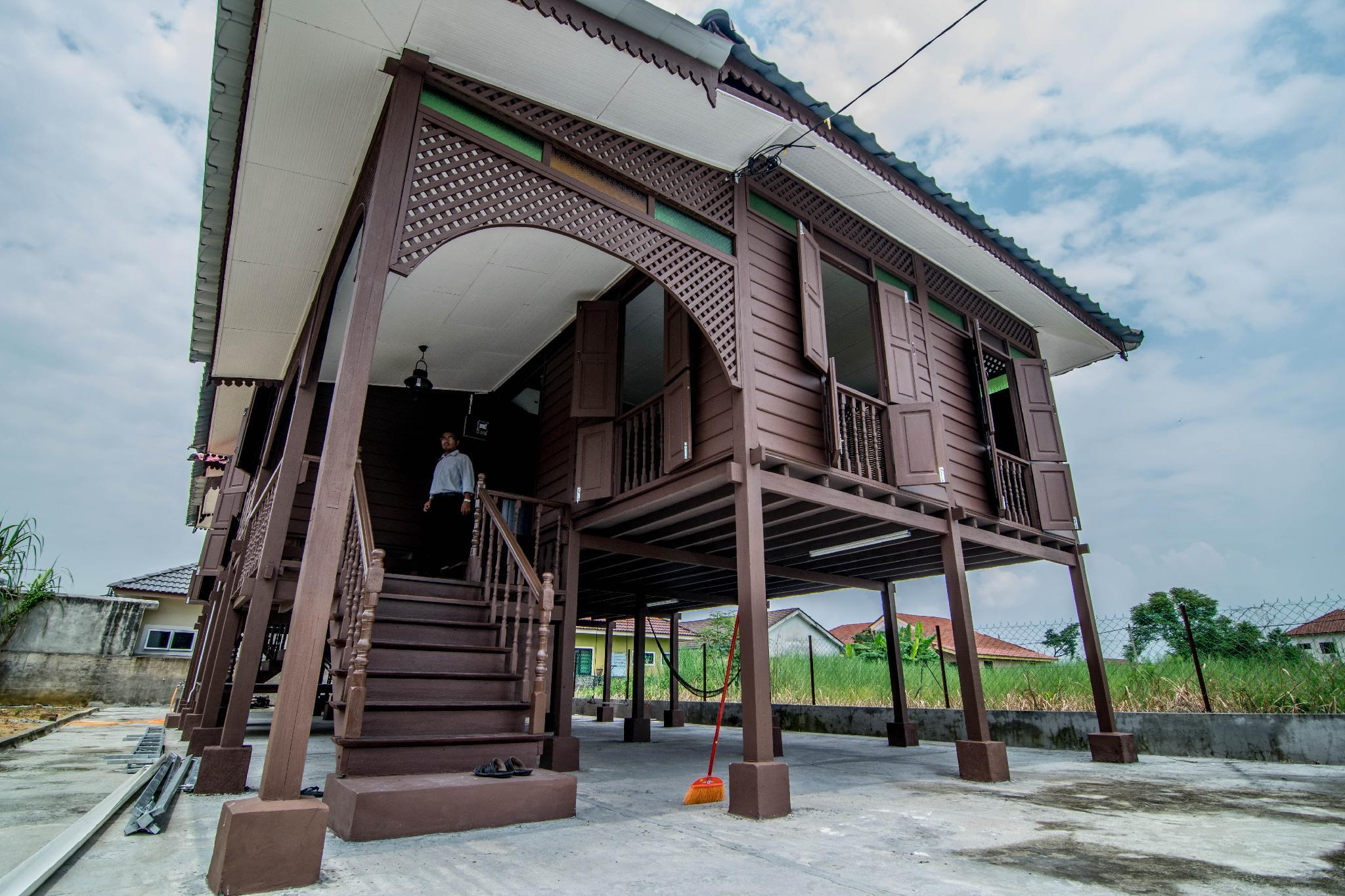 Perak Traditional House Near Lost World Of Tambun