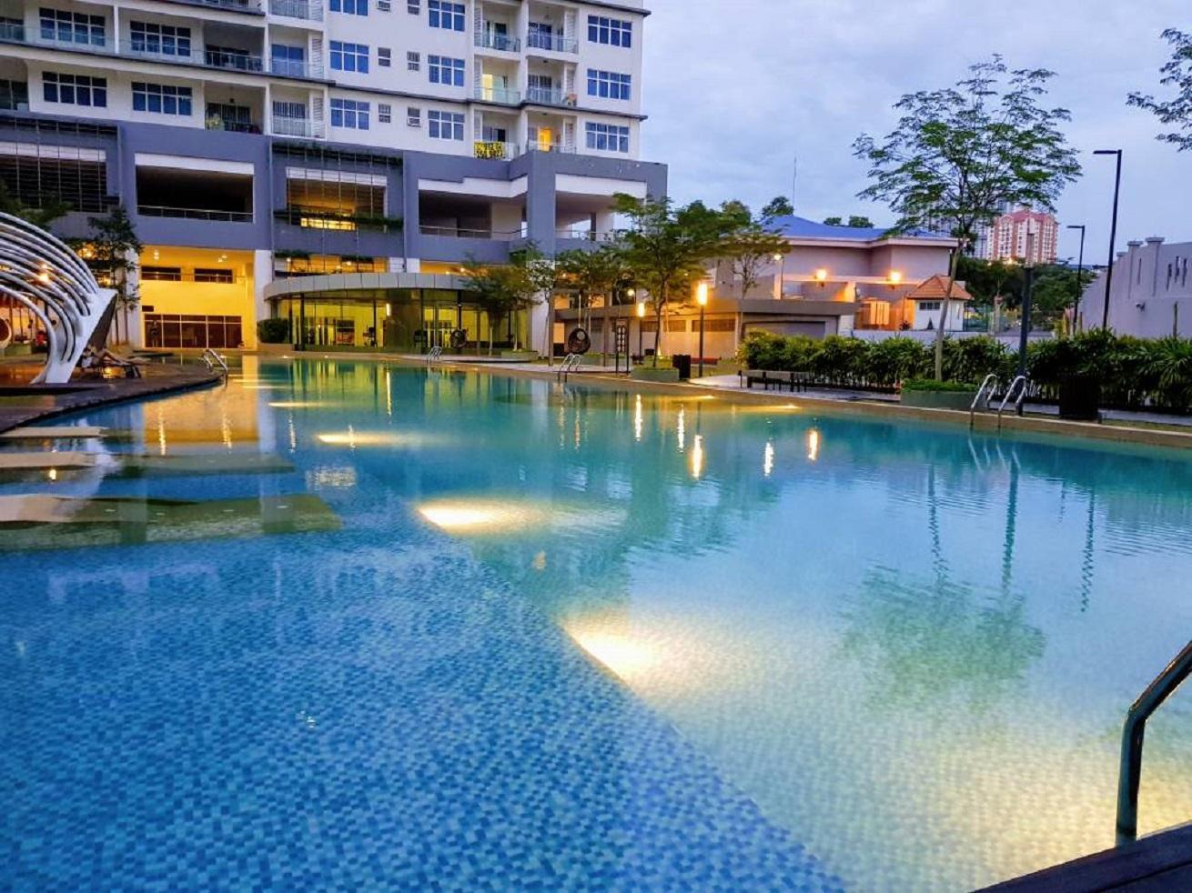 Puchong 10 Pax IOI Mall Cozy Apartment Skypod