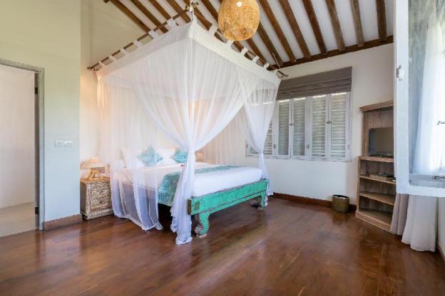 Spacious 5BR Villa Hasian Near Jimbaran Beach