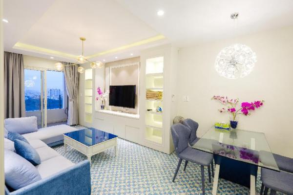 Deluxe 2 bedrooms Park View near Airport Ho Chi Minh City