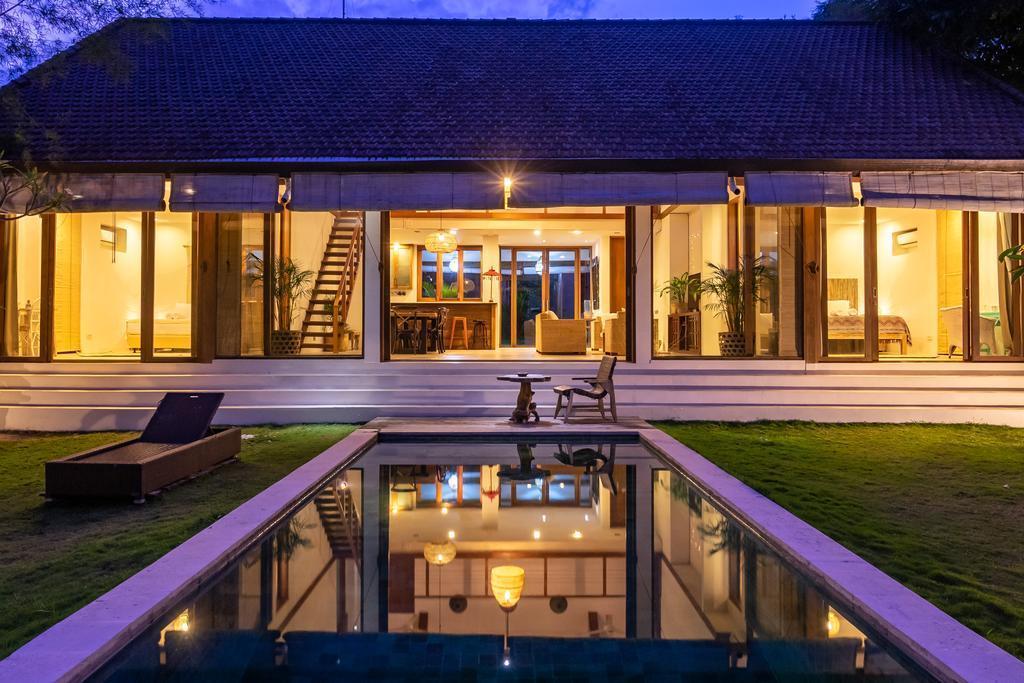 4 BDR Villa Near Berawa Beach