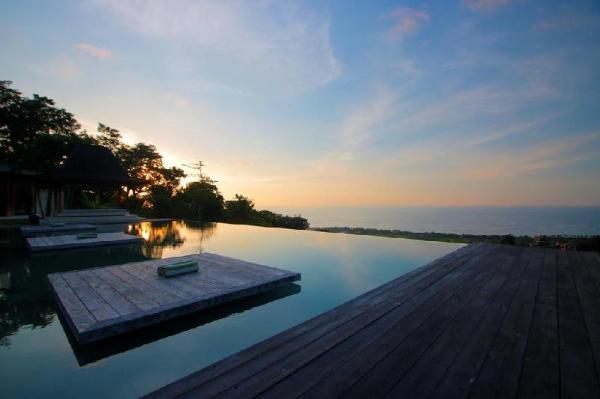 4BDR Joglo Villa near Lovina beach Bali